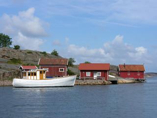 Fischkutter und Bootshäuser im Hamburgsund an der schwedischen W