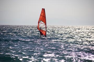 Windsurf sul mare Sardo