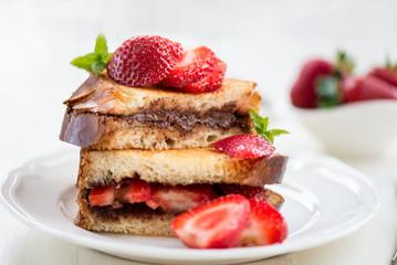 French Toasts with Chocolate Hazelnut Filling