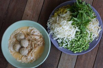 noodles with fish curry coconut milk
