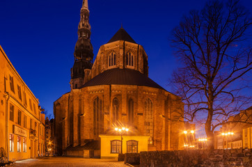 Fototapete - Riga, Latvia: Old Town at night