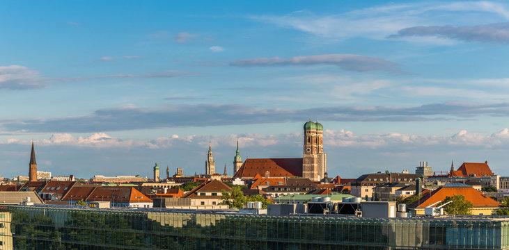 Münchner Frauenkiche, Skyline