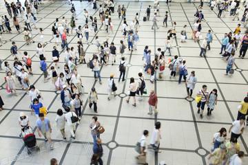 歩く人々,俯瞰撮影