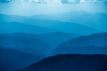 Zelfklevend Fotobehang Bergen Blue mountains in Ukraine Carpathians