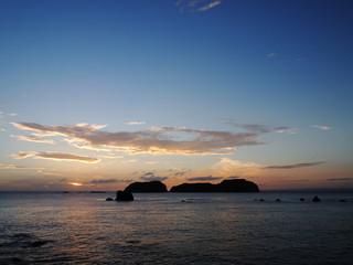 地内島の夕日(東京都新島村)