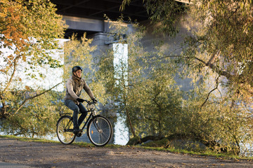 Sweden, Sodermanland, Stockholm, Sodermalm, Hornstull, Mid adult man riding bicycle