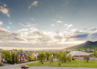 Sweden, Lapland, Kiruna, View of city and mountain in background