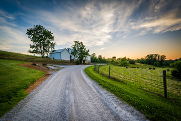 Dirt road and farm at sunset, near Jefferson in rural York Count Wall mural