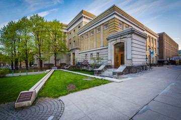 The Sandford Fleming Building, at the University of Toronto, in