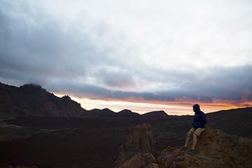 Zelfklevend Fotobehang Diepbruine Man on peak