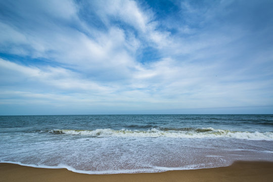 Waves in the Atlantic Ocean at Cape Henlopen State Park, in Reho
