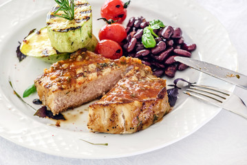 steak with grilled vegetables