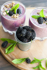Mulberry smothie with homemade granola