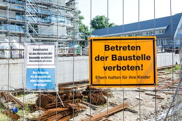 Schild Baustelle Betreten Verboten