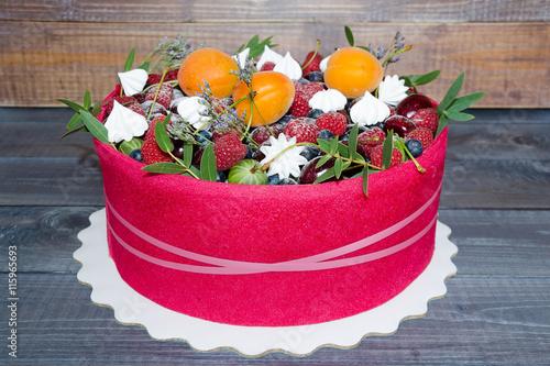 Beautiful Fruit Cake Images :