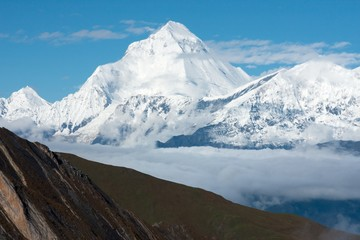 Fototapete - View of Dhaulagiri from Thorong La Pass, Dhaulagiri Himal, Nepal.