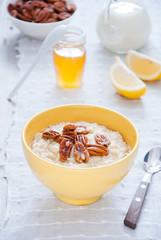 Oatmeal Porridge with Honey