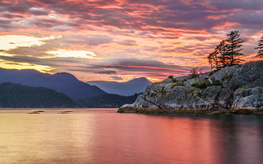 colorful sunset clouds over whytecliff park West Vancouver Canada Fototapete