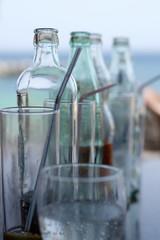 verre bouteille verre soif boire chaleur frais fraicheur transparent