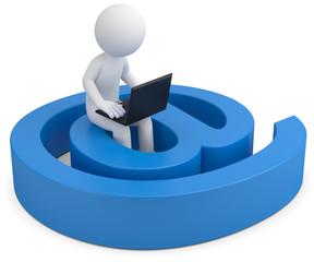 3d Männchen checkt am Laptop seinen Posteingang von Emails