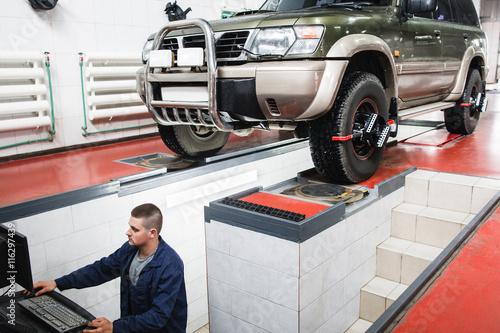 Suv Car Maintenance Auto Service Diagnostics Garage Repair Shop Mechanics Modern Concept Zdj