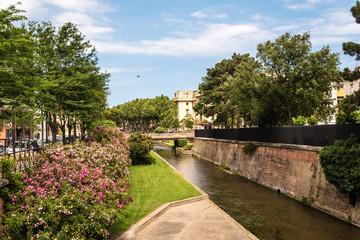 am Kanal La Basse in Perpignan