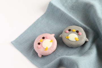 Colorful Animal Doughnuts for kids (Penguin)