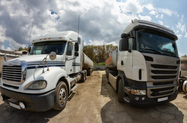 Not washed trucks for long distance transport of industrial carg