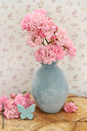 Deko Rosa Blumen Stockfotos Und Lizenzfreie Bilder Auf Fotolia