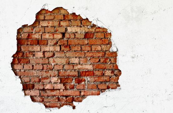 Break on the white wall - old brickwork
