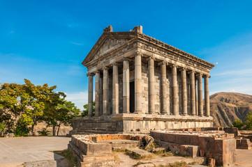 The Hellenic temple of Garni in Armenia Fototapete