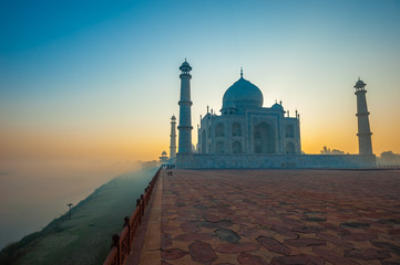 Taj Mahal at sunrise, Agra, India Fototapete