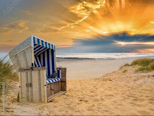 Fototapete Strandkorb Nordsee Sonnenuntergang