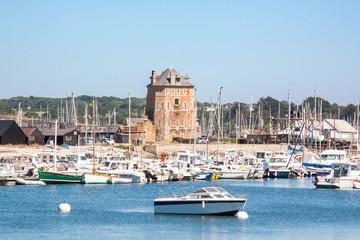 Camaret. Leport de plaisance et la tour Vauban, Finistère, Bretagne