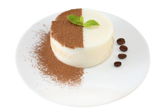 Panna cotta with chocolate chips and mint