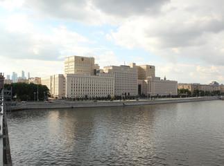 Здание Министерство обороны Российской Федерации на Фрунзенской набережной. Москва