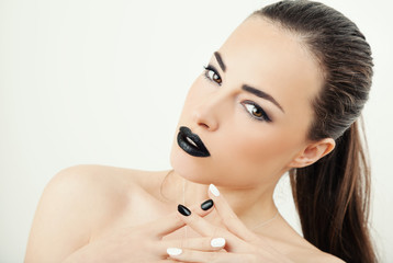 trendy makeup with black lips