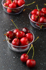 Fresh cherries in bowl close-up