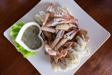 Ready streamed crab with spicy sauce.