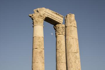 Amman citadel pillars with Moon