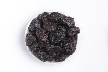 Prunes into a bowl