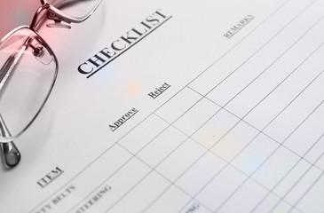 glasses over checklistform