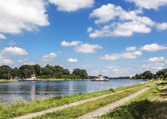 Nord-Ostsee-Kanal bei Rendsburg, Fähre Nobiskrug in Schacht-Audorf