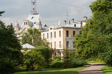 Botanical Garden in Saint-Petersburg, Russia. View of the street Professor Popov from Garden.