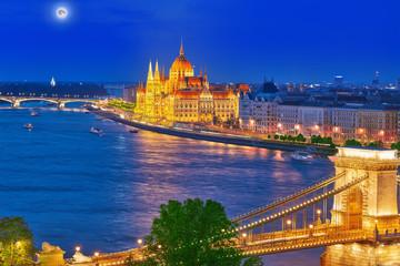 Szechenyi Chain Bridge and Parliament . Budapest, Hungary.