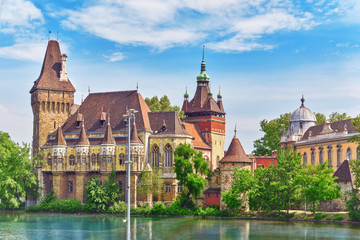 Printed kitchen splashbacks Budapest Vajdahunyad Castle (Hungarian-Vajdahunyad vara) with lake reflec