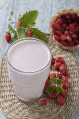 Smoothies of fresh strawberries   .