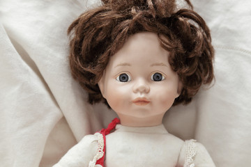 poupée ancienne en porcelaine et bois