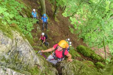 Spass beim Klettern im Klettersteig