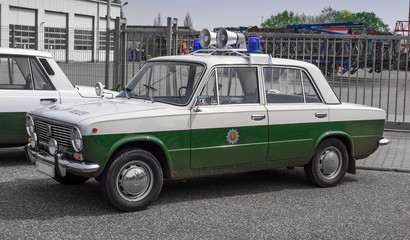 altes oldtimer ddr volks-polizeiauto Wall mural